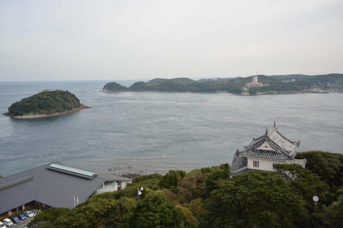平戸瀬戸を望む松浦家代々の城、平戸城とは?
